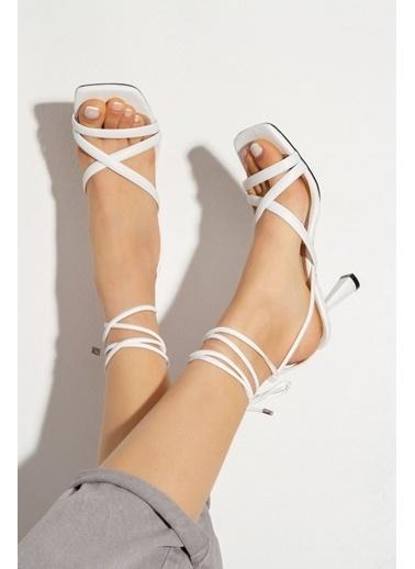 Derithy Rapına Topuklu Ayakkabı-Lıla-Byc1702 Beyaz
